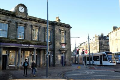 Haymarket railway station has excellent connections for day trips to Glasgow, Stirling Castle, and the coast for walks, etc. Haymarket tram stop gives direct access to Edinburgh Airport, and also to the East End and onwards by bus to Leith and other parts of the city